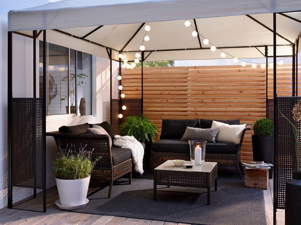Obyvak Na Terase A Proc Ne Staci Mekke Sedaky Polstarky A Prijemne Osvetleni Ikea Garden Ikea Outdoor Outdoor Rooms [ 768 x 1028 Pixel ]