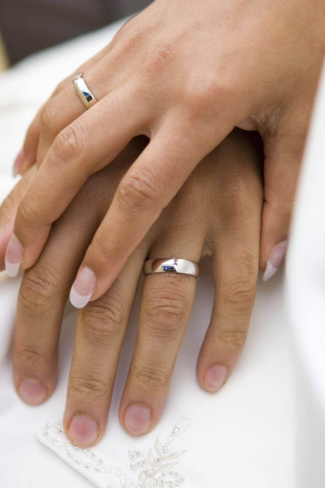 Male Wedding Rings On Hand Wedding Rings Mens Wedding Rings Vintage Engagement Rings