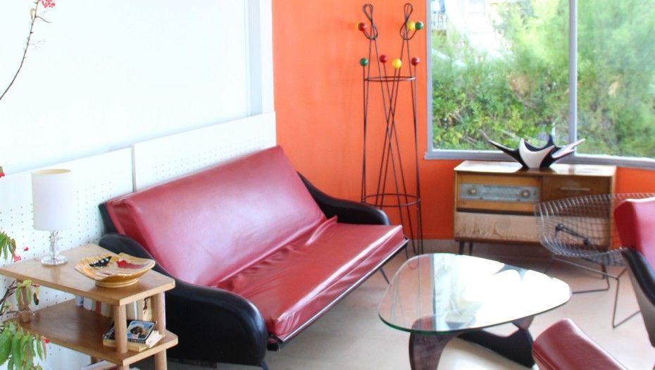 canap rouge et noir en cuir table basse in 50 disamu l - Table Basse Rouge Et Noir