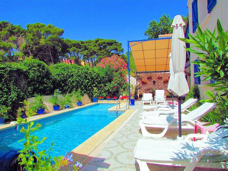 A NARBONNE dans Lu0027AUDE , Découvrez Une Maison du0027Hôtes de Charme - chambre d hotes aix en provence piscine