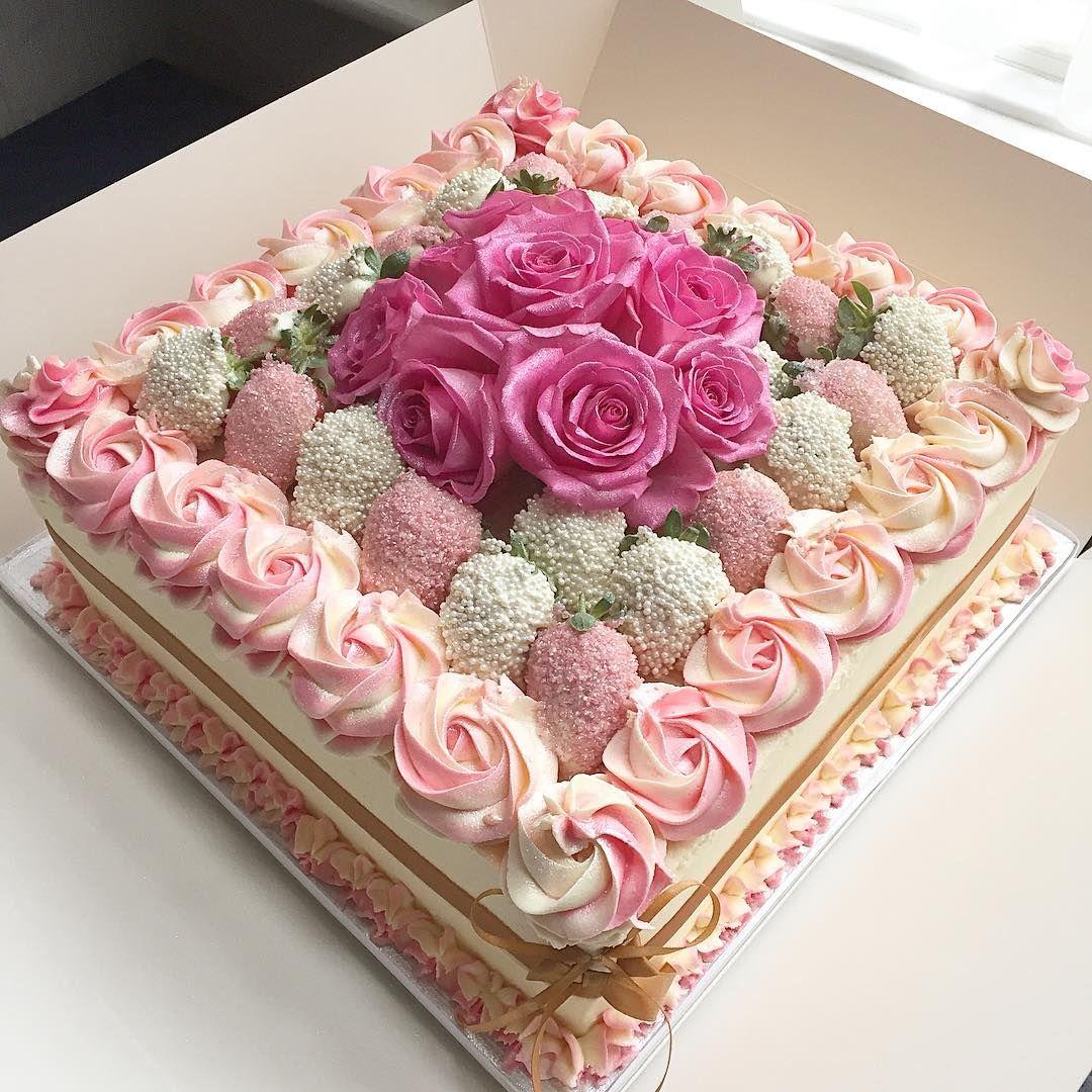 Huge engagement cake #vanillajamandbuttercream #pinks #roses #buttercream #cakemenu #cakeguide #yummy #cake