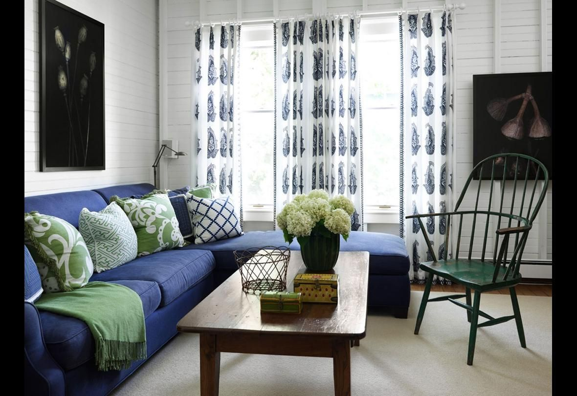 31 Of The Best Colors To Pair With Blue When You Decorate Blue Sofas Living Room Living Room Green Blue Sofa Living