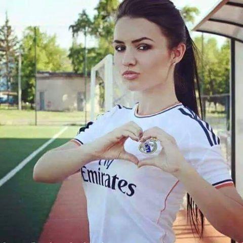 مشجعات ريال مدريد الحسناوات صور بنات بقميص الملكي 2016 Madrid Girl Cristiano Ronaldo Madrid