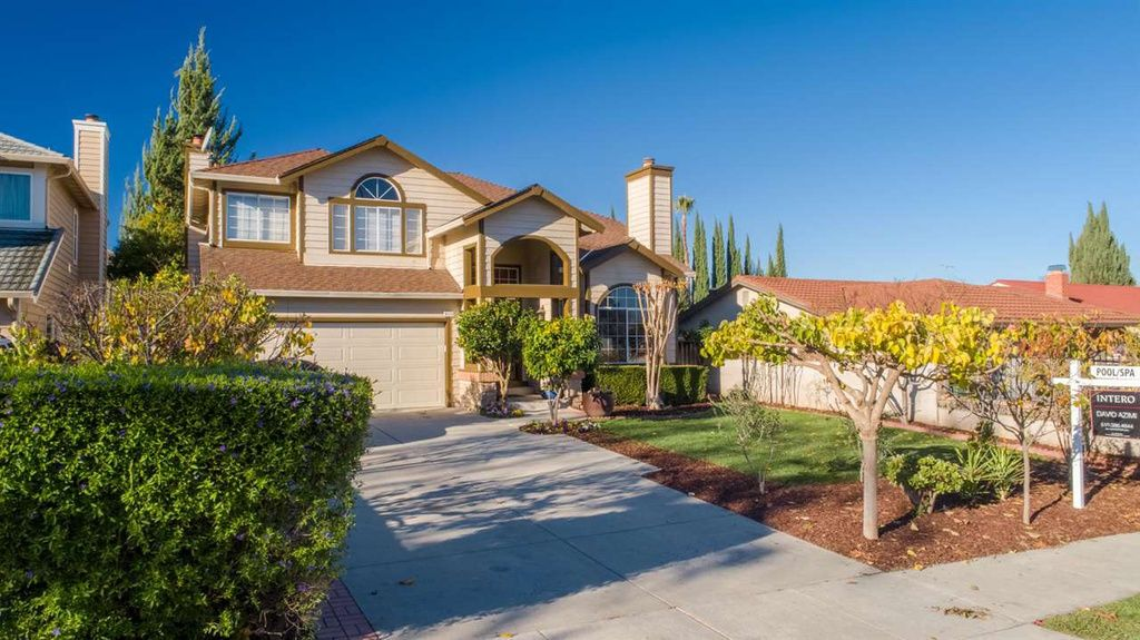 San Jose Predicted To Be Nation S Hottest Market Again In 2019 Renting A House Rental Homes Near Me Family House