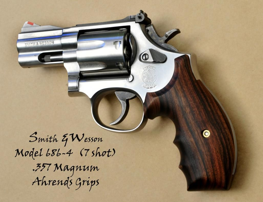 Smith and Wesson 686 - Ahrends Cocobolo grips