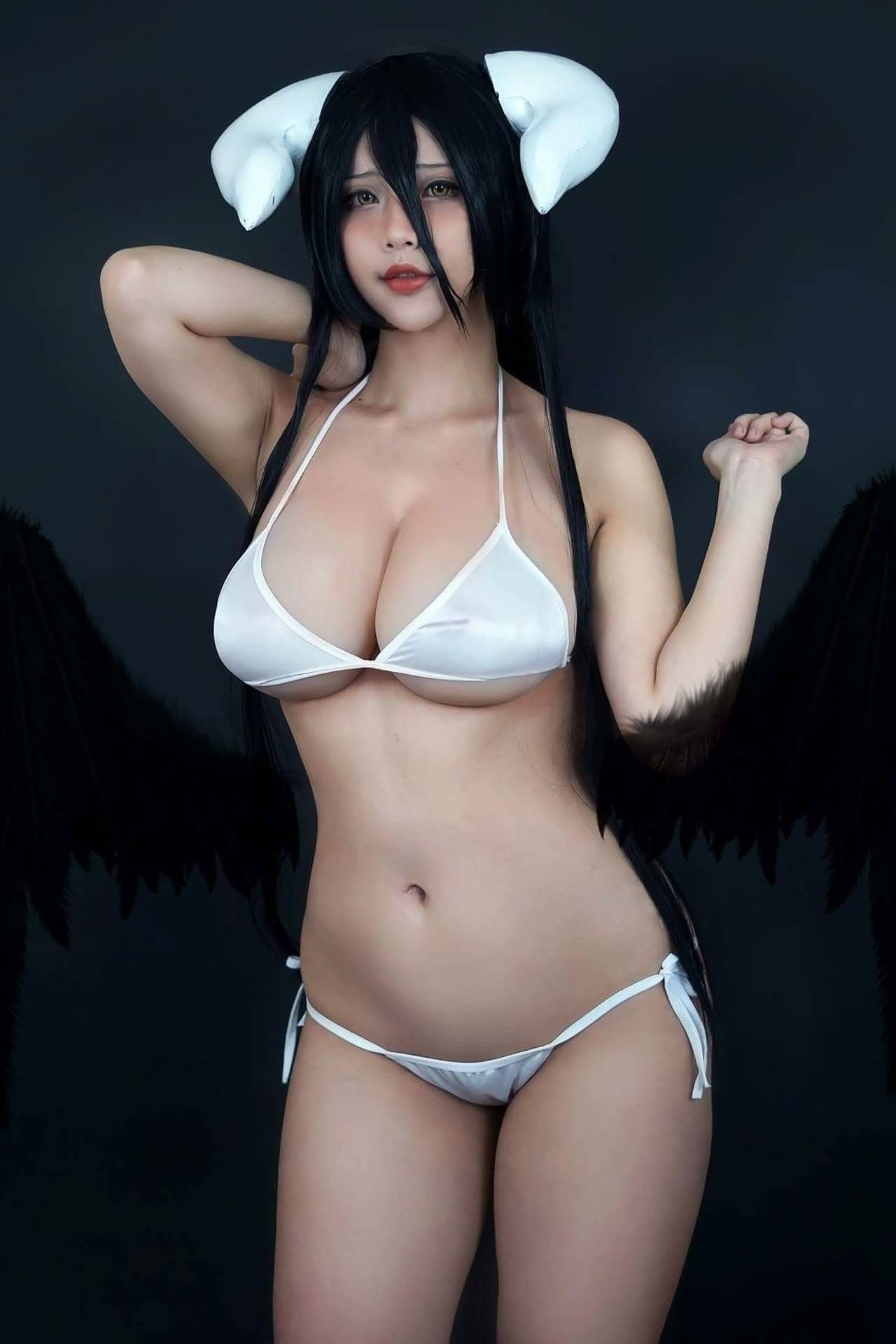 f8c7f3bb5b5 Albedo from Overlord Cosplayer  Hana Bunny Cosplay