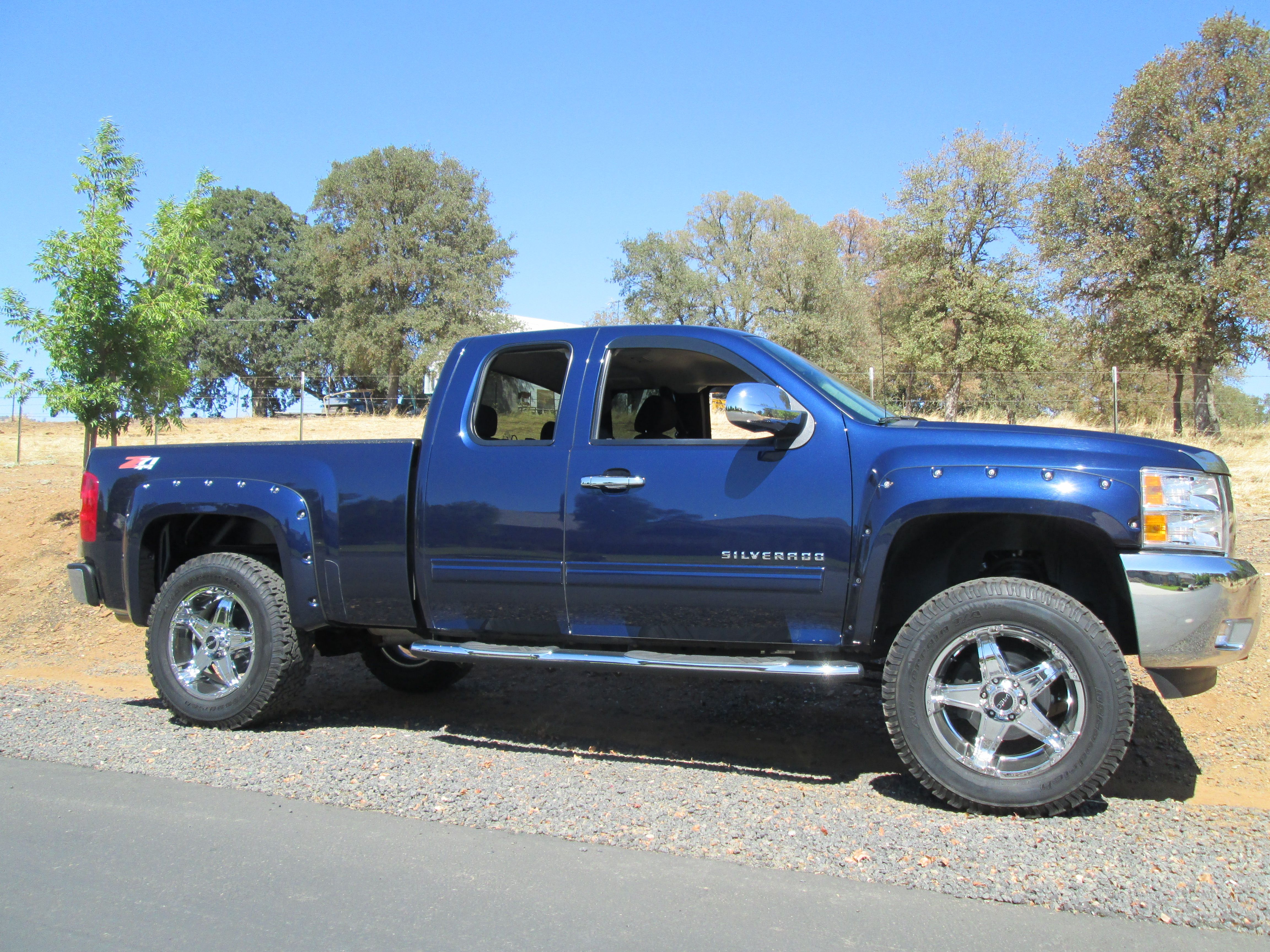 Rocky ridge 4 inch lift kit and custom body styling