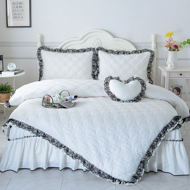 Elegant White And Black Romantic Lace Design Quilted Sophisticated Luxury Twin Full Queen Size Bedding Bedspre White Bed Set Bed Decor Luxury White Bedding