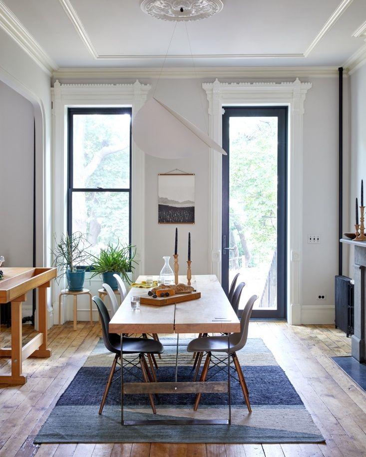 Fotos De Salon Comedor.Warm Minimalism In A Young Architect S Own Brooklyn