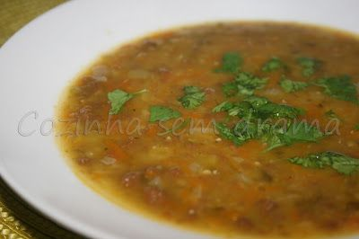Sopa de Ervilha com Carne de Soja (Proteína Texturizada de Soja)