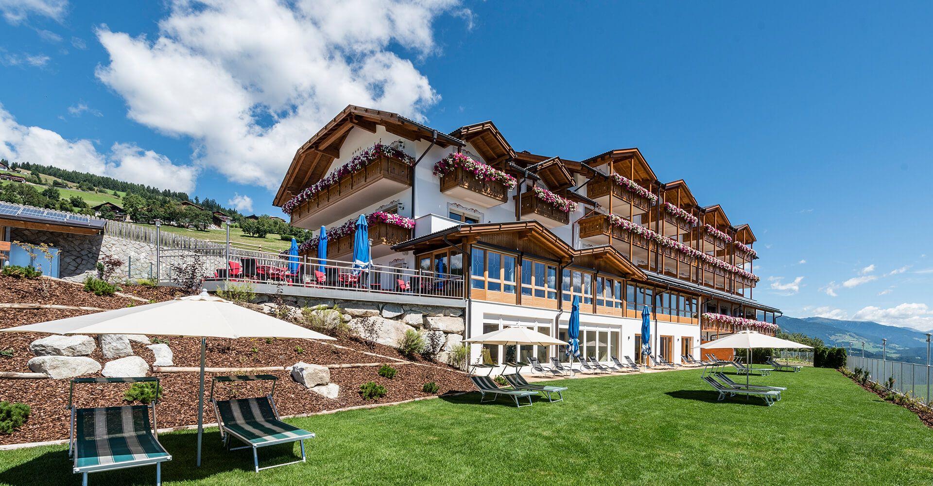 "panoramic hotel huberhof: ""endless mountain panorama | panorama"