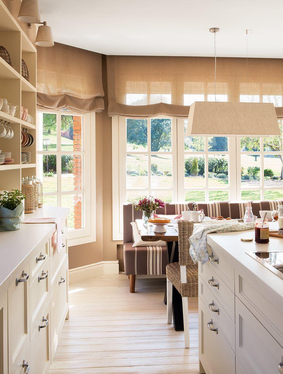Cocina y office con grandes ventanales al exterior | Inspiración ...
