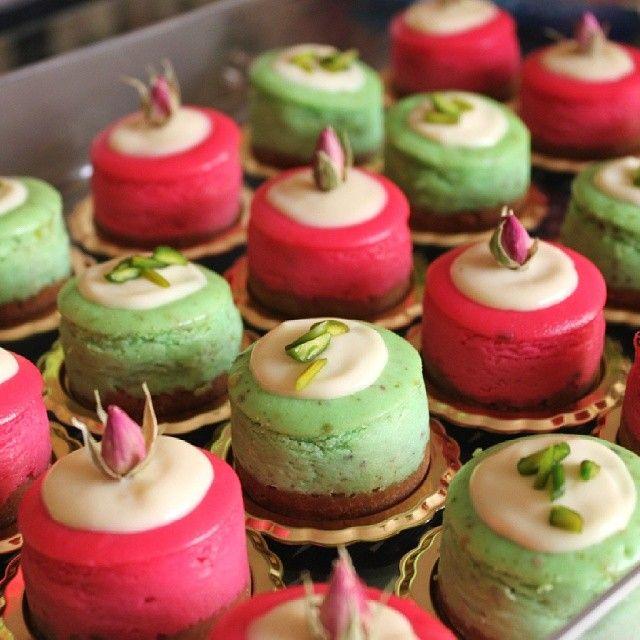 Hanooofh On Instagram هذي طريقة الميني تشيز كيك بسكوت زبده ترص في صينية الميني تشيز كيك و تدخل الفرن خمس Classic Cookies Recipes Yummy Food Dessert Food