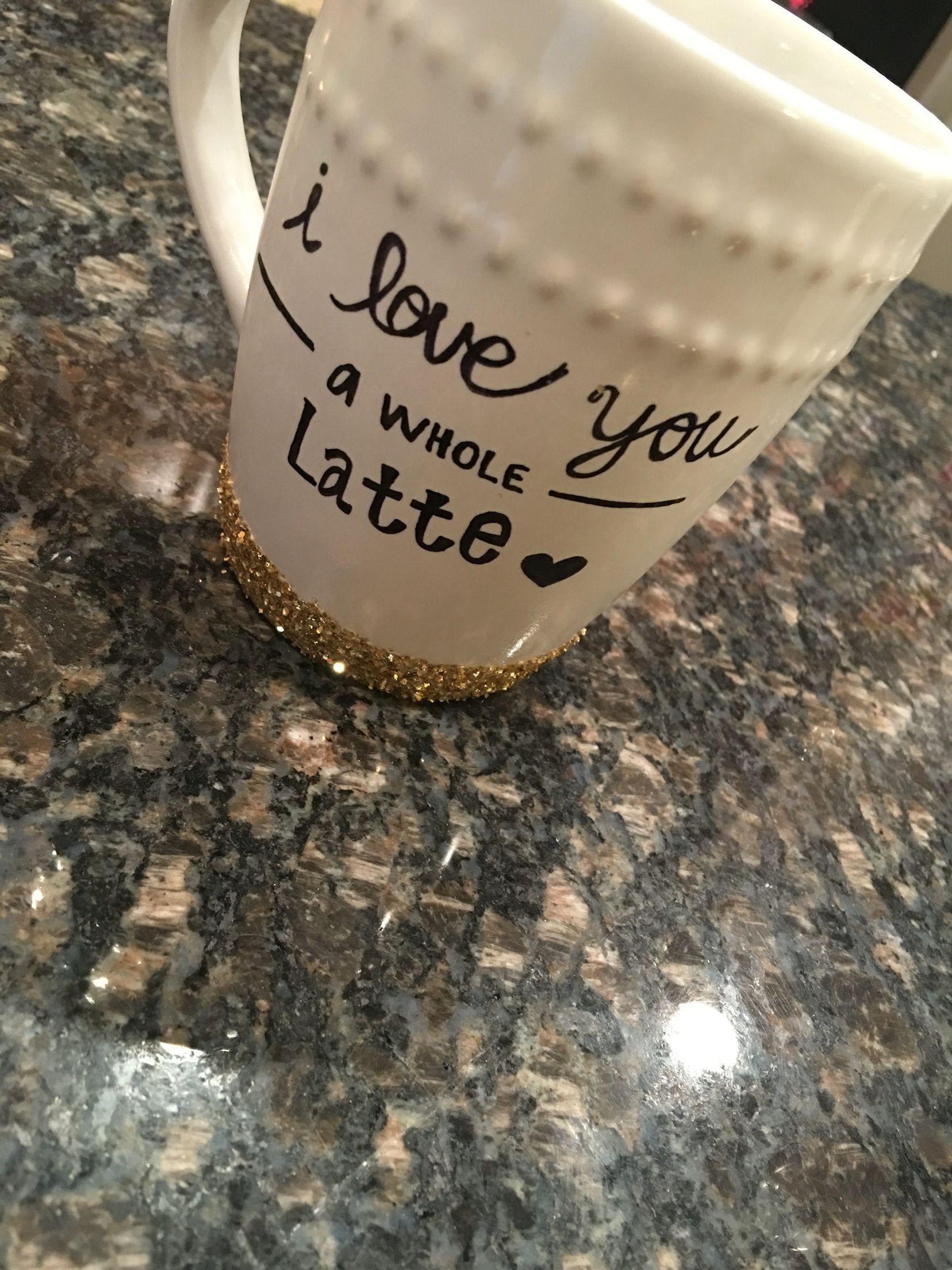 DIY Christmas mug with glitter