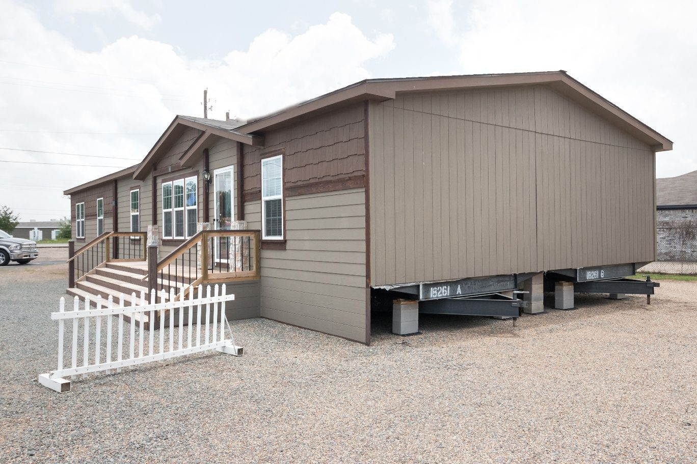 Clayton manufactured home skirting materials and options