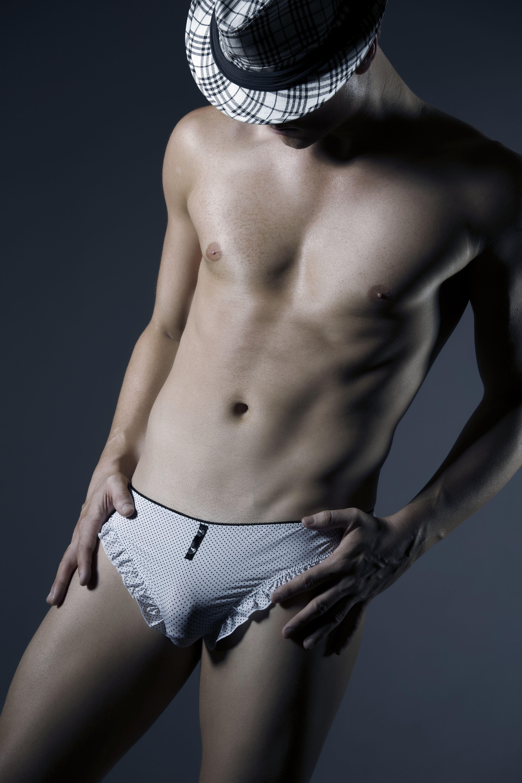 9116c4dfec297 Frill Panty for guys. www.hommemystere.com store