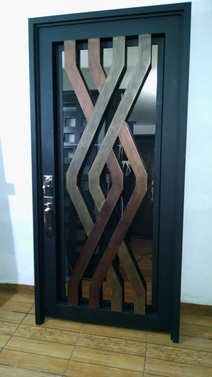 Puerta m s doors pinterest herrer a hierro y for Puertas de madera con herreria