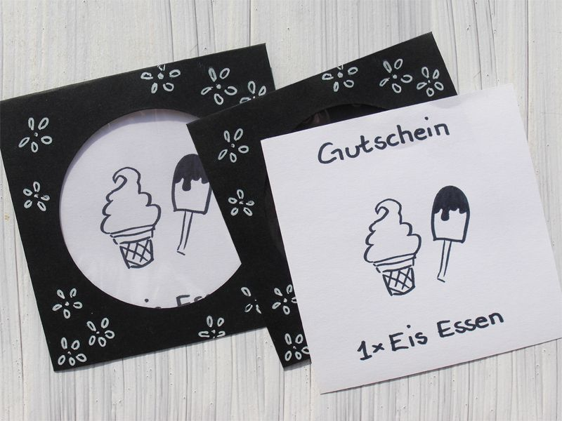 gutschein eis essen geschenkgutschein schwarz wei scrapbooking cards pinterest. Black Bedroom Furniture Sets. Home Design Ideas