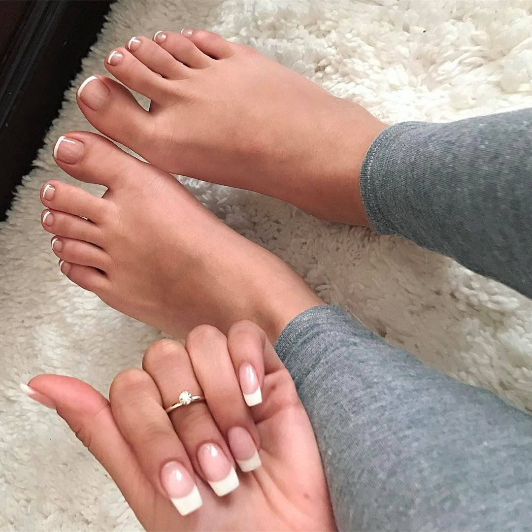 14 6k Likes 382 Comments Aly Ms Alyssasorto On Instagram If I Ever Hit The Nail Salon And Asked For Any Acrylic Toe Nails Pretty Toe Nails Acrylic Toes