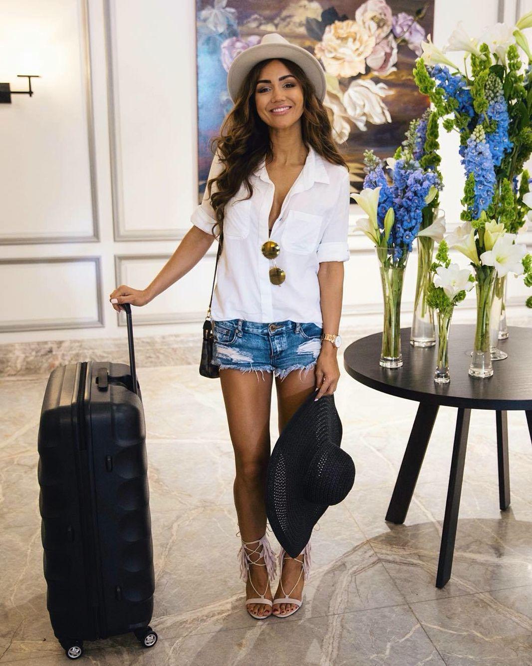Pia Muehlenbeck Celebrities Faces Pinterest Airport