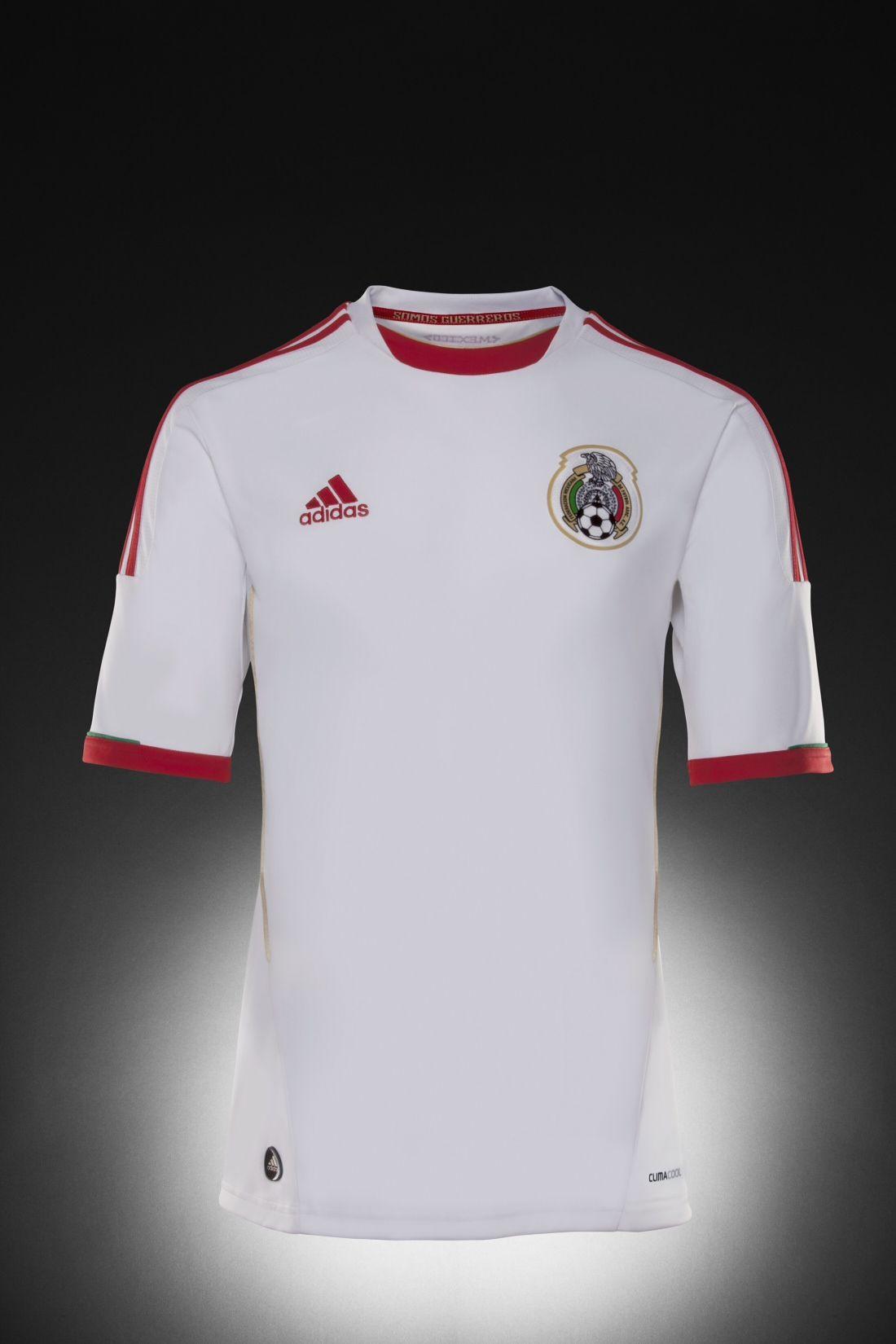67b9db39046 Nuevo Jersey de la Selección Mexicana Football Jerseys