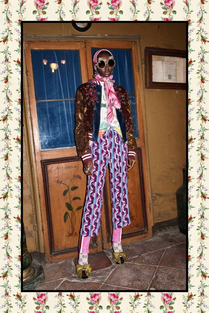 Take a gander at Gucci pre fall 2017, which is -- per the usual -- a feast for the eyes.