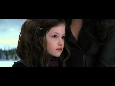 These New Pics Of Renesmee From Twilight Are Definitive Proof She May Actually Be A Vampire Irl Twilight Saga Twilight Scenes Twilight Renesmee