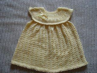 .........Oficina da Regina.......: vestido infantil em trico