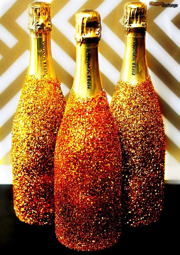 Decorate your wedding champagne with different shades of