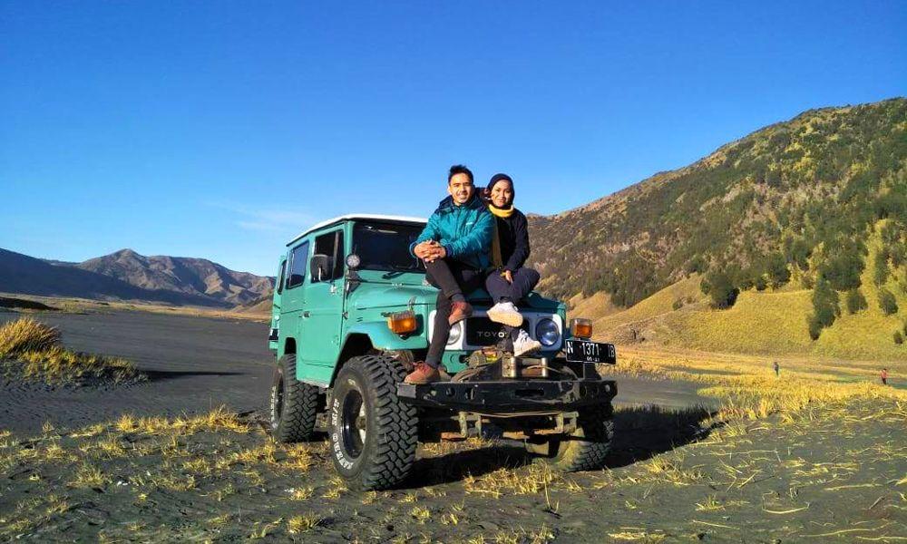 Kendaraan berjenis Jeep adalah satusatu kendaraan yang