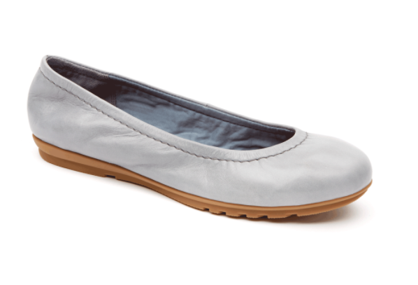 59b8baca5aa3 17 Comfortable Flats You Can Wear With Anything And Walk For Miles | The  Huffington Post