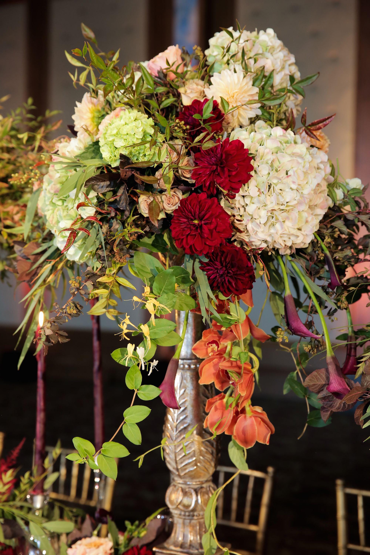 10 Fall Flower Arrangements Blooming With Seasonal Charm