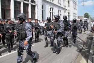 No le comprarán nuevas pistolas a los policías, la estrategia será una inteligencia más eficiente. Detalles en > http://www.lapagina.com.sv/nacionales/96298/2014/06/11/No-le-compraran-nuevas-pistolas-a-los-policias-la-estrategia-sera-una-inteligencia-mas-eficiente