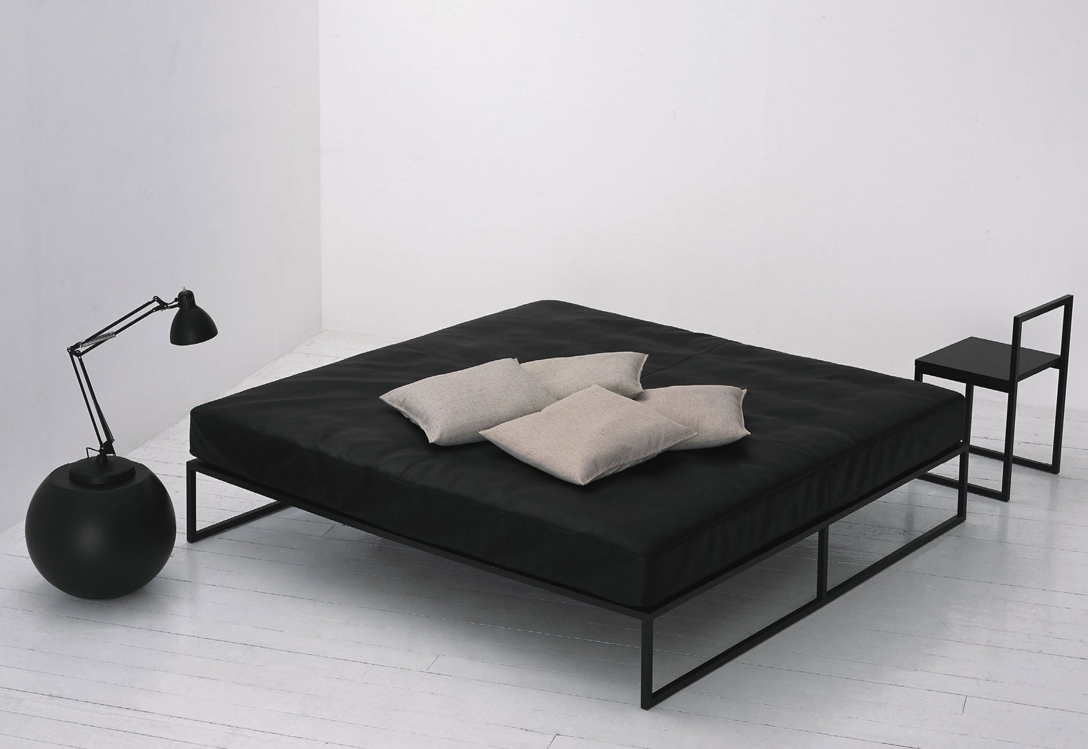 A g fronzoni cappellini fronzoni 39 64 double bed m bel for Bett industriedesign