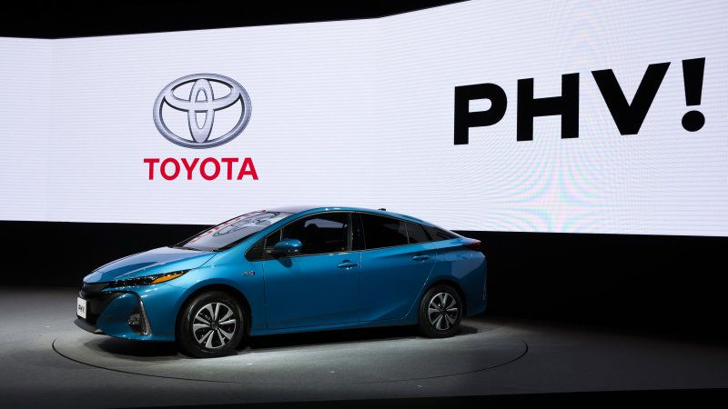 Toyota Says Electric Cars Are Not Ready About Auto Connection