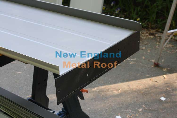 Making The Drip Edge Lock On Standing Seam Metal Roofing Panel Fibreglass Roof Roofing Metal Roof