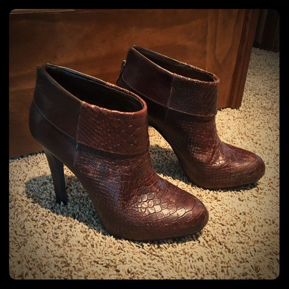 Jessica Simpson audrianna stamp ankle booties Brown leather, 4 inch heel, zipper back, like new! Worn twice!!!! Jessica Simpson Shoes Ankle Boots & Booties
