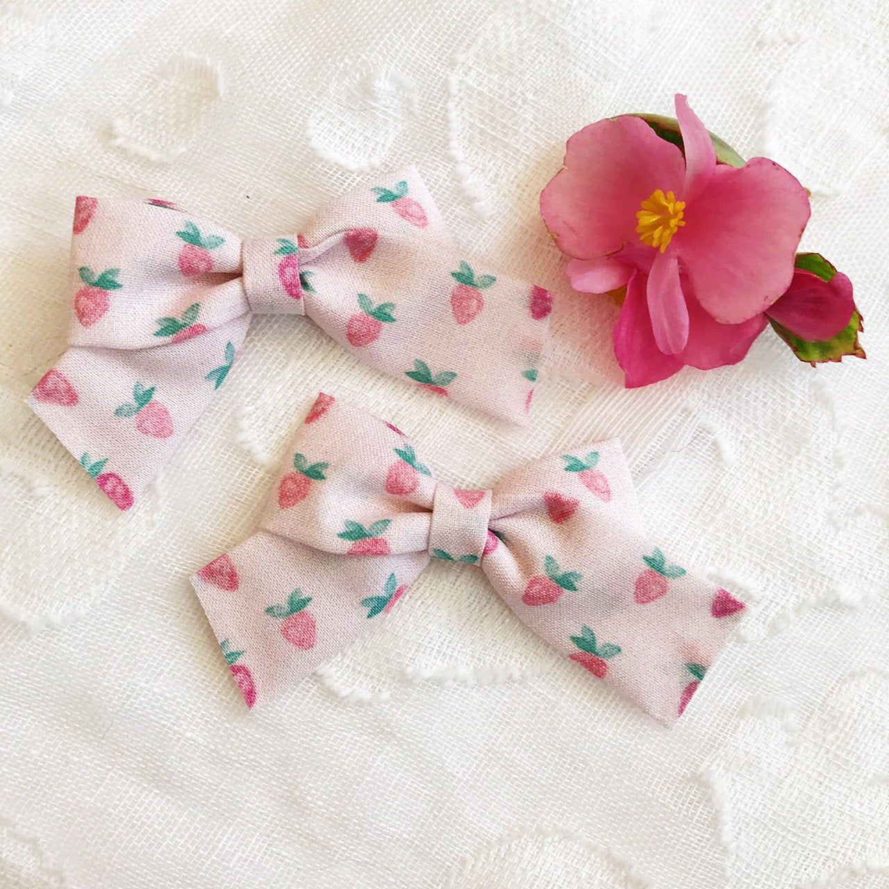 New Handmade girls Set Of 2 Small or Tiny Hair Bow Clips Or Baby Headbands pink