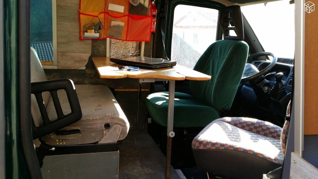Boxer L3h2 Fourgon Amenage 4 Places Boxer Caravan Truck Home Ideas Truck