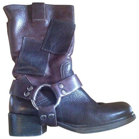 Boots-MIU-MIU-Brown