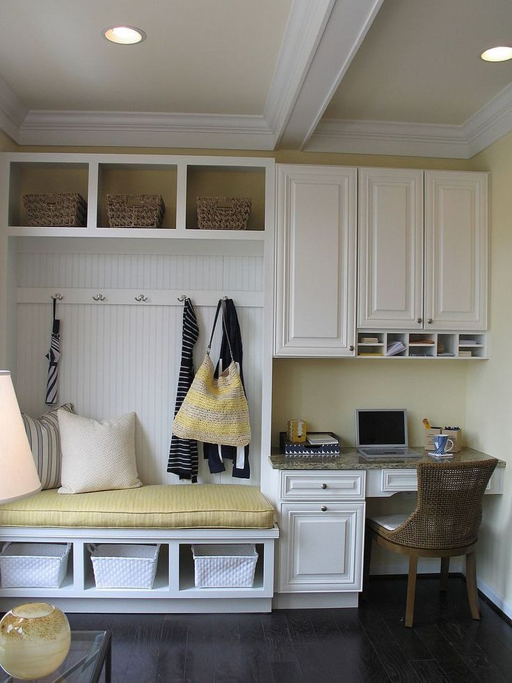 10 Versatile Mudrooms That Double as Home Workspac