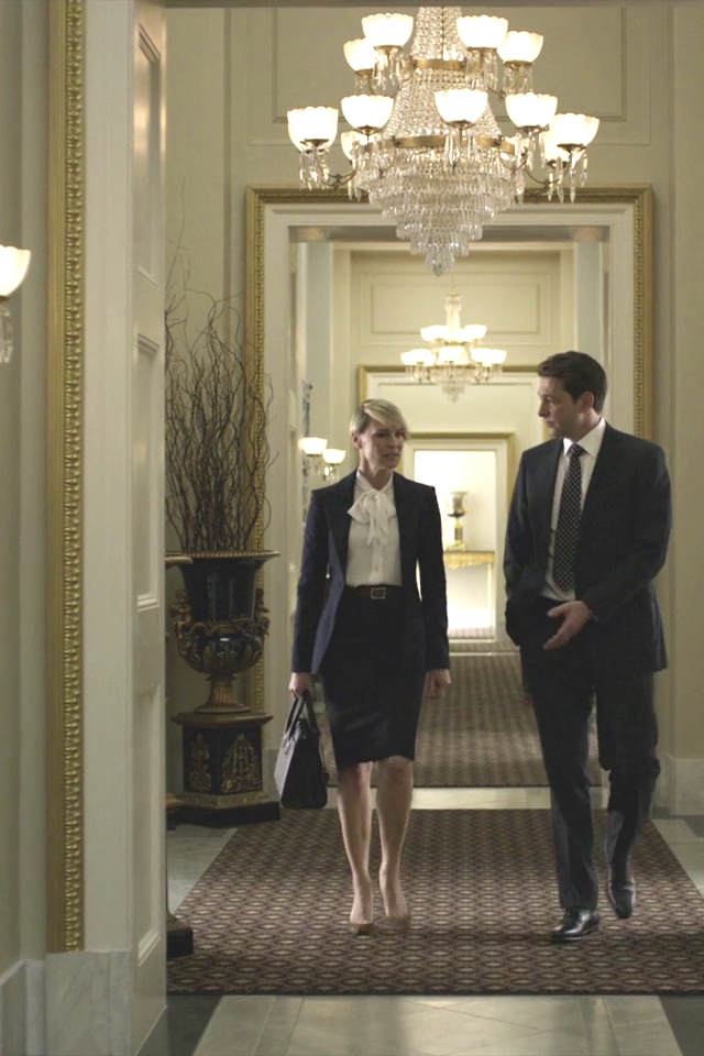 Claire Underwood in House of Cards S03E01   LookLive