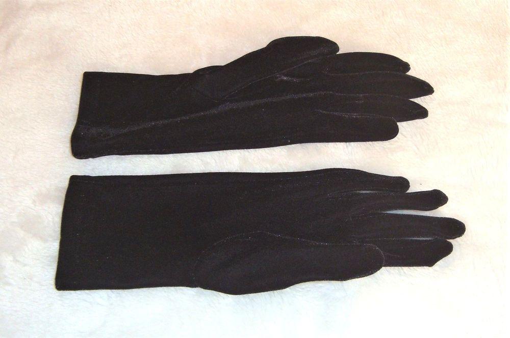 8e87b4c8e Beautiful Black Velvet One Size Evening Wrist Length Gloves #Unmarked  #EveningGloves #Special