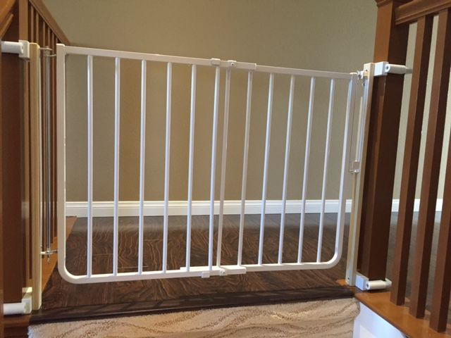 Top Of The Stairs Baby Gate Mounted With NO HOLES Banister Clamps To  Prevent Damage To
