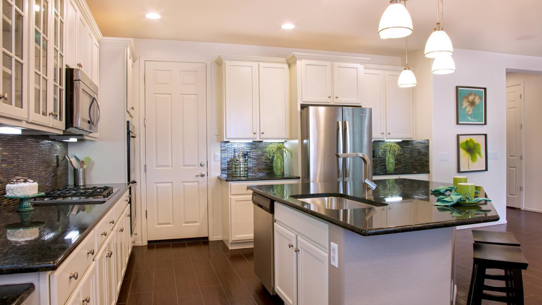 Sweet kitchens white cabinets offwhite u white washed too