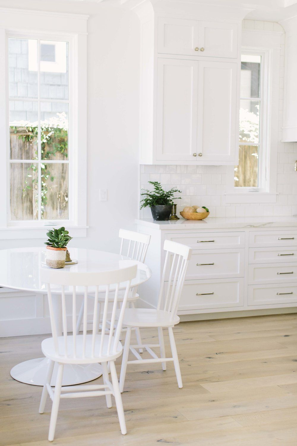 10 Dining Room Chairs Kitchen Stools That Are Easy To Clean