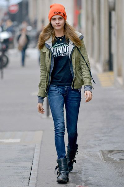Cara Delevingne Style - Best Dresses and Fashion Outfits  396c71f82a8