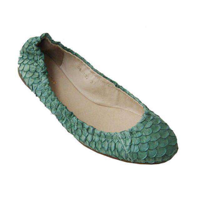 6f441c967581 Mermaid shoes (ballet flats) . I love fish scales.