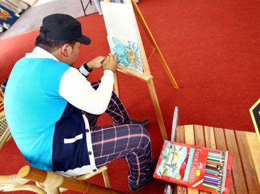 Bakat melukis selepas strok | BHplus | Berita Harian
