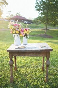 Card table yellow and pink flower arrangement decor